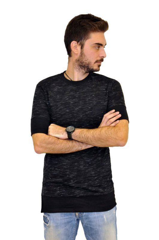 Μαύρη κοντομάνικη μπλούζα RECKLESS