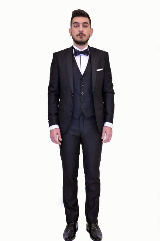 Μαύρο γαμπριάτικο κοστούμι με γιλέκο