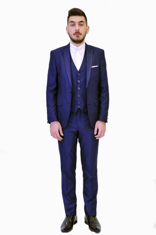 Μπλε γαμπριάτικο κοστούμι με γιλέκο