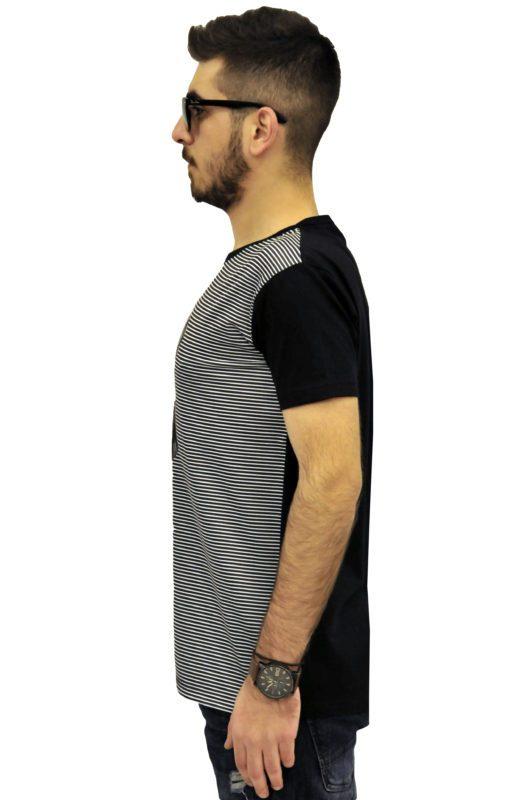 Μαύρη βαμβακερή μπλούζα τύπου λαιμόκοψη με στάμπα