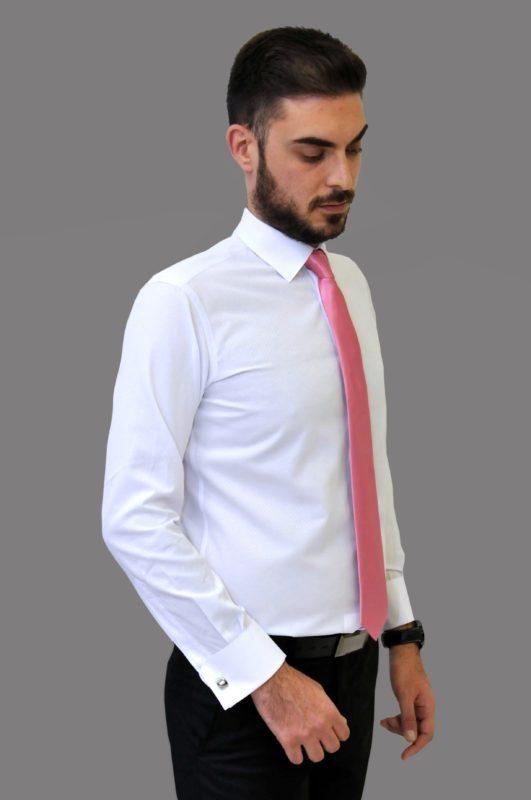 Λευκό γαμπριάτικο πουκάμισο με μικροσχέδια στην ύφανση, κανονικό γιακά, διπλή μανσέτα και κρυφά κουμπιά